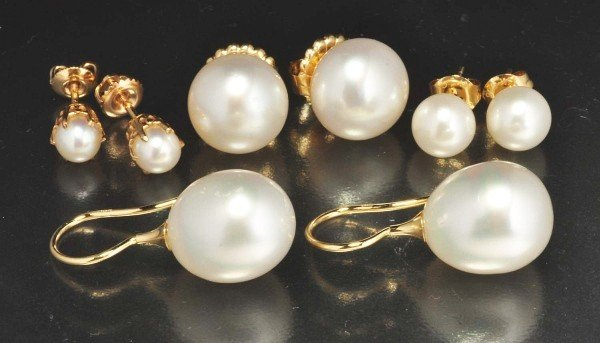 9: Lot of 4: Pairs of Gold Pearl Earrings.