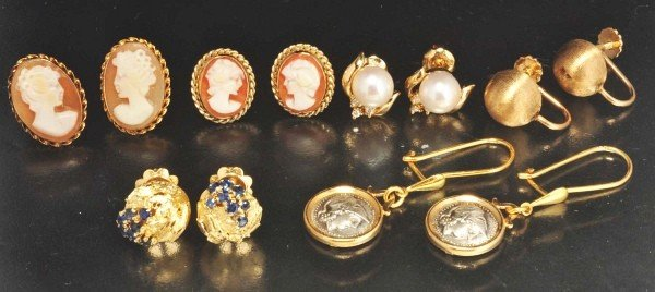 14: Lot of 6: Pairs of 14K & 18K Yellow Gold Earrings