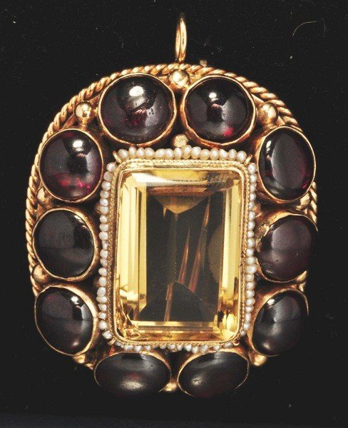 20: 14K Y. Gold Citrine & Garnet Pin.