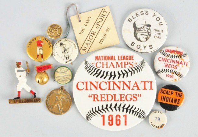 4: Lot of 13: Vintage Baseball Pins & Buttons.
