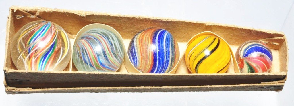 146: Marble Coffin Box with 5 Handmade Marbles.