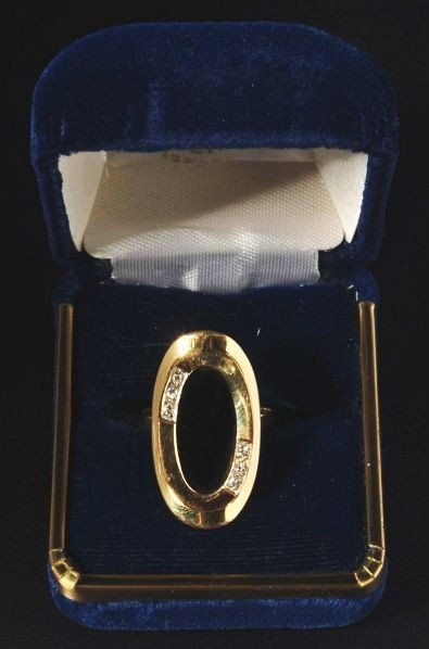 14: 14K Y. Gold Ring with 6 Diamonds.