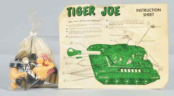 863: DeLuxe Reading Tiger Joe Tank Battery-Op Toy. - 5