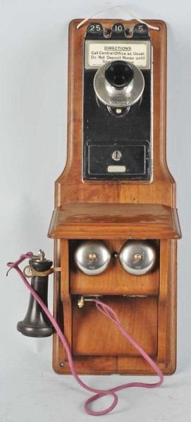 600: Western Electric Fiddleback with Coin Collector.