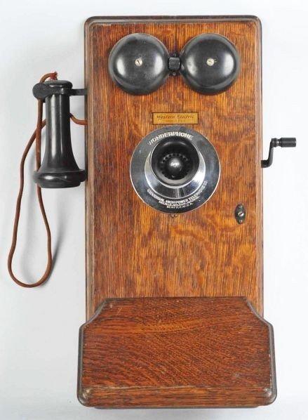 618: Wonderphone Wall Telephone.