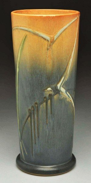 302: Rare Roseville Futura Seagull Vase.