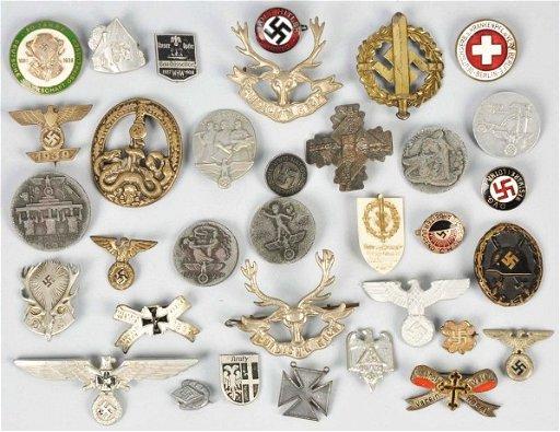 1081: Lot of German Nazi Military Pins Badges