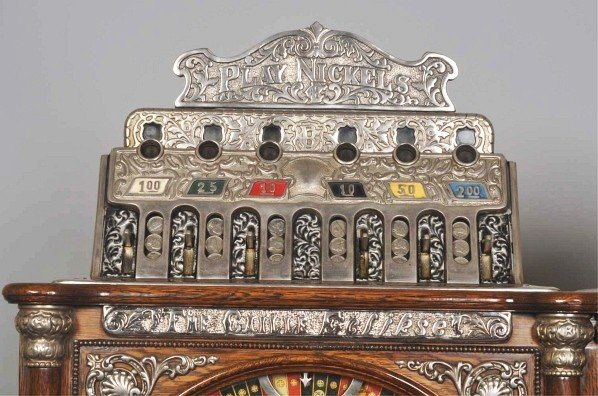 140: Caille Double Upright Slot Machine. - 10