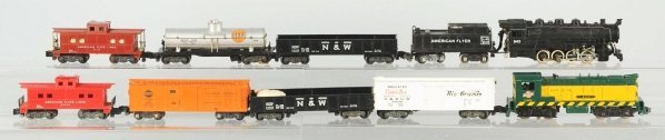 17: Lot of 10: American Flyer Train Cars.
