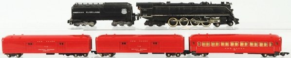 21: American Flyer S-Gauge Passenger Train Set.