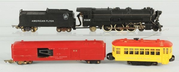 27: Lot of 4: American Flyer & Lionel Train Items.