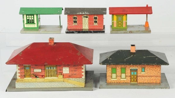 39: Lot of 5: American Flyer Building Accessories.