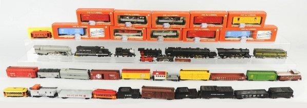 43: Lot of HO Train Engines & Cars.