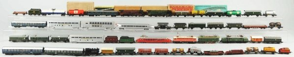 45: Large Lot of HO Train Engines & Cars.