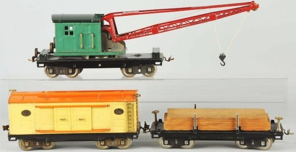 111: Lot of 3: Lionel 200 Series Freight Cars.