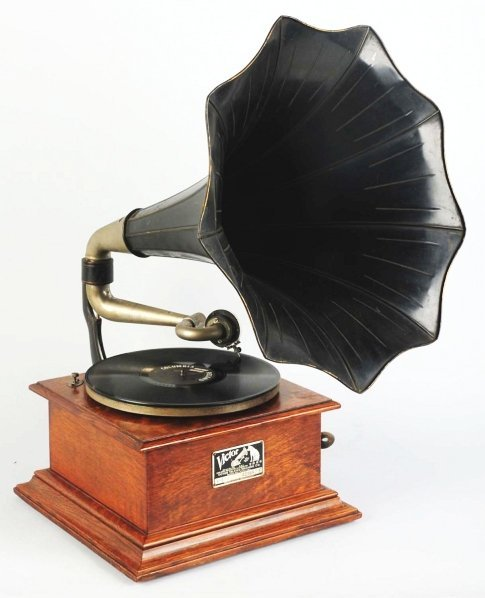 23: Victory I Phonograph with Horn.