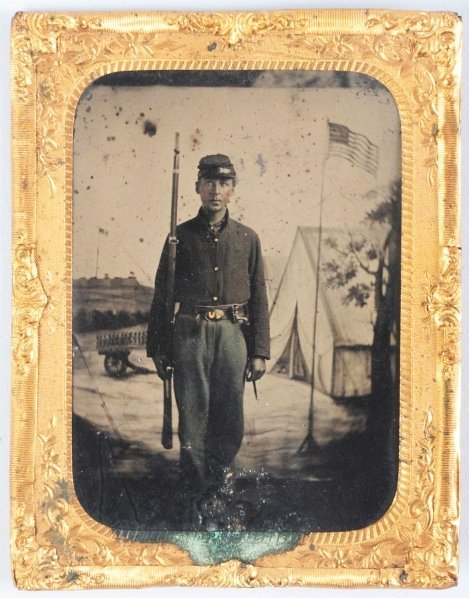 376: Tin Type of Civil War Soldier with Gun.