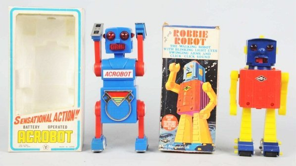 1022: Lot of 2: Robot Toys.