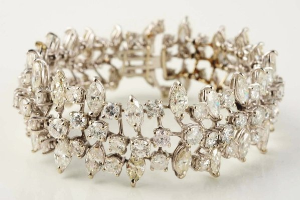 502: 14k White Gold Diamond Bracelet.