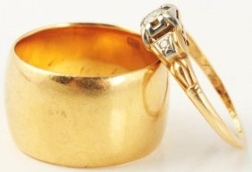 512: Lot of 2: Yellow Gold Rings.
