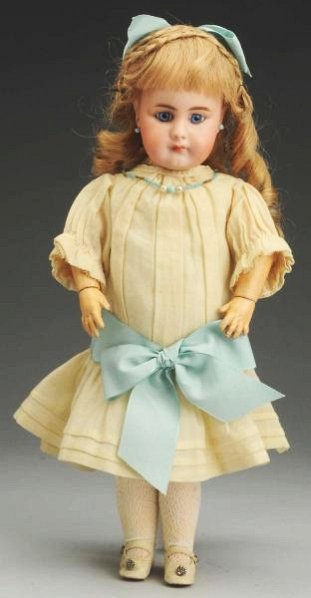 Desirable S & H 949 Child Doll.