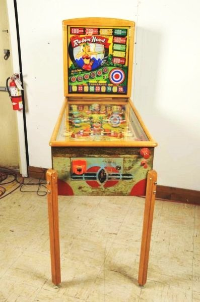 Gottlieb Lady Robin Hood Pinball Machine (1948). - 2
