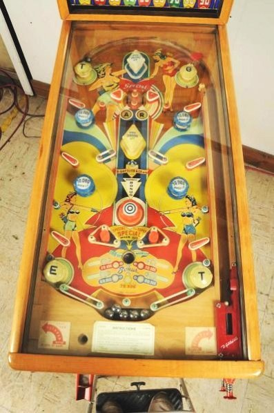 Gottlieb Lady Robin Hood Pinball Machine (1948). - 3