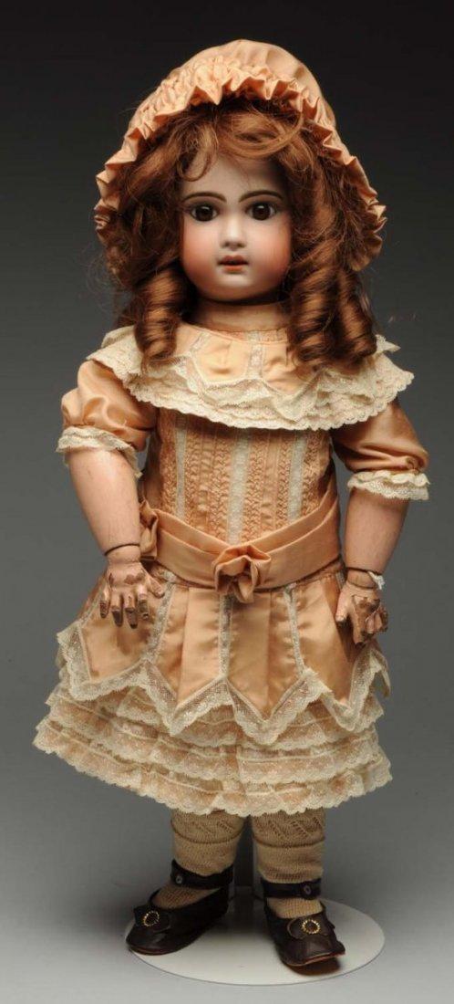Pretty Jumeau Bébé Doll.