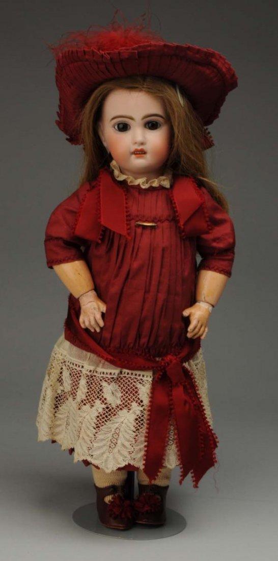 Lovely Jumeau Bébé Doll.
