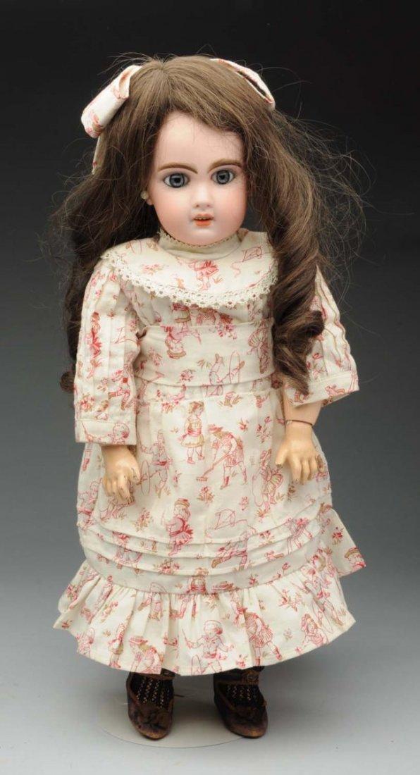Classic Jumeau Bébé Doll.