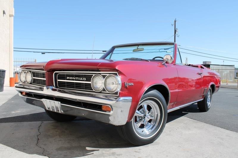 1964 Pontiac Tempest Convertible - 6