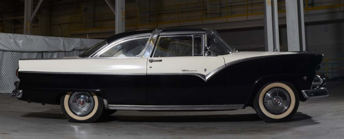 1955 Ford Fairlane Crown Victoria Skyliner. - 3