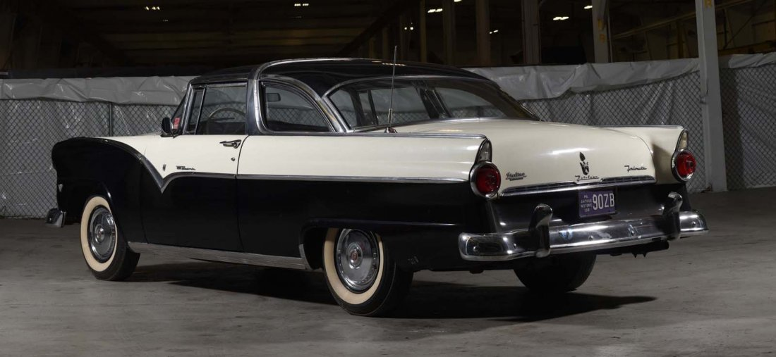 1955 Ford Fairlane Crown Victoria Skyliner. - 6