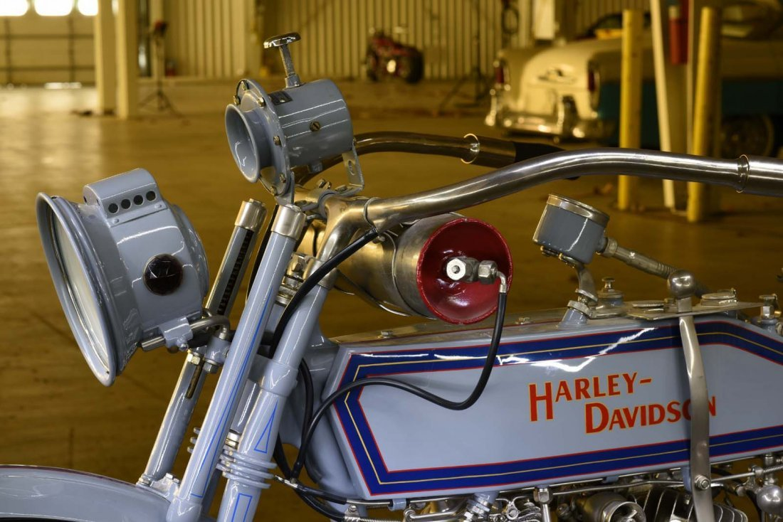 1915 Harley Davidson 11F V-Twin. - 2