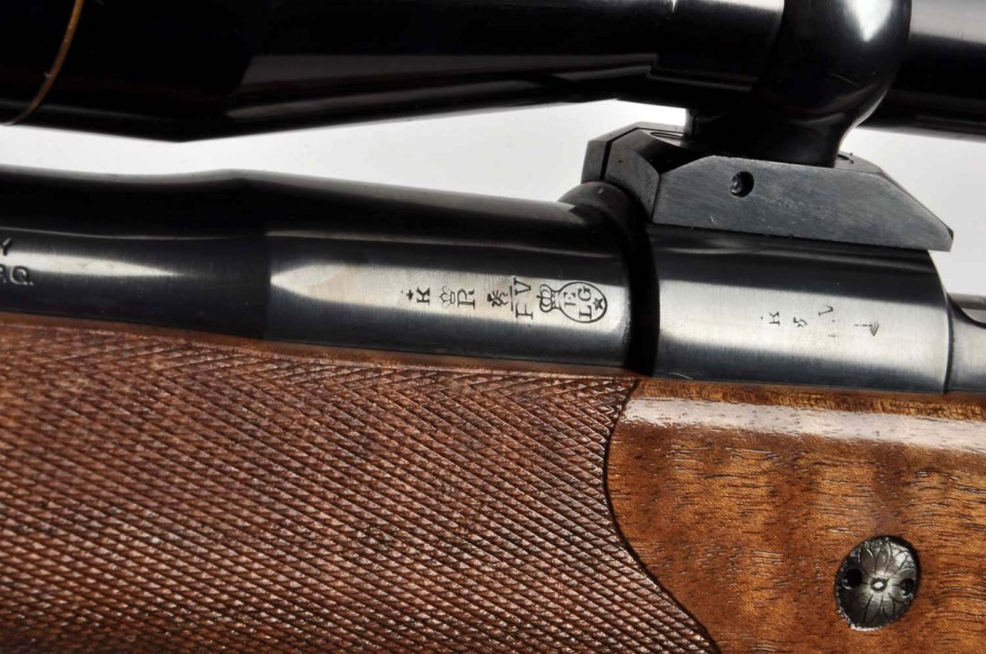 **Deluxe Custom Browning Safari Grade Rifle. - 3