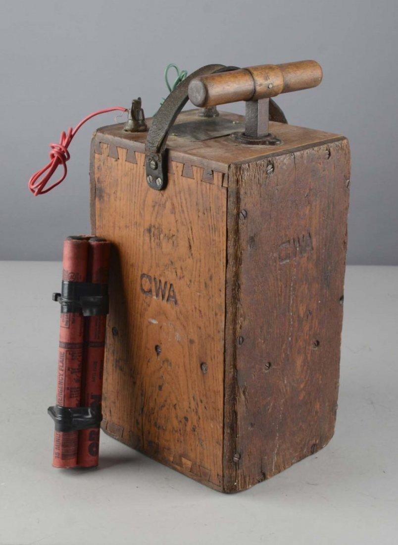 Du Pont Dynamite Blasting Machine No. 3-A - 2