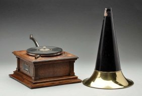 "Victor Type ""e"" Pre Dog Phonograph."