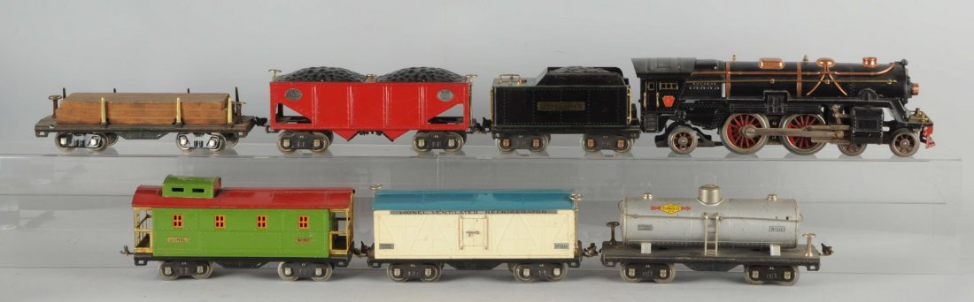 Lot of 7:Lionel No. 392 Locomotive & Freight Cars.
