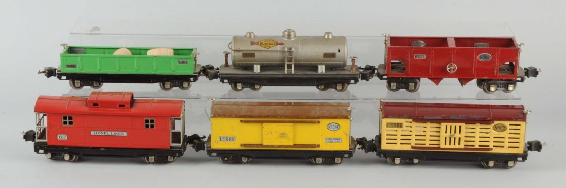 Lot of 6: Lionel 800 Series Freight Cars.
