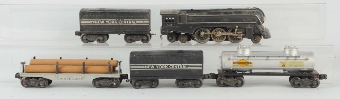 Lot of 5: Lionel No.221 Locomotive & Freight Cars.