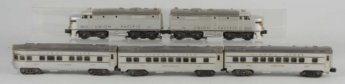 Lionel 2023 Union Pacific Alco Loco Set & 3 Cars.