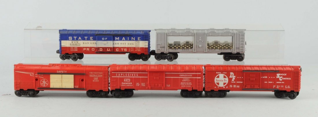 Lot Of 5: Lionel Box Cars.