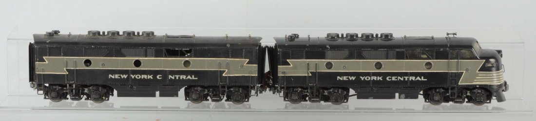 Lot of 2: KMT New York Central F-7 A/B Units.