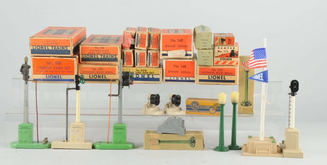 Large Lot Of Assorted Lionel Train Accessories.