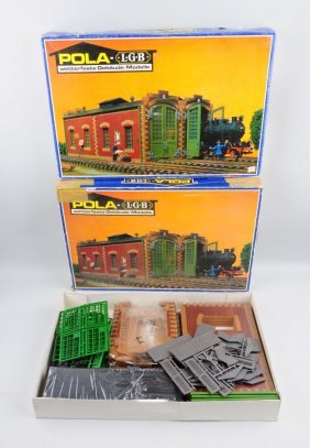 Lot Of 2: Pola-lgb Model Kits Of Engine Houses.