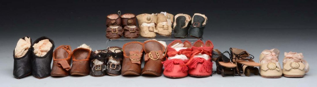 Lot of 10 Pairs of Doll Shoes.