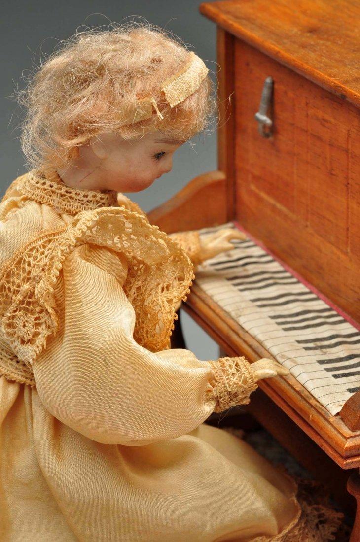 Beautiful French Doll Playing Piano Automaton. - 3