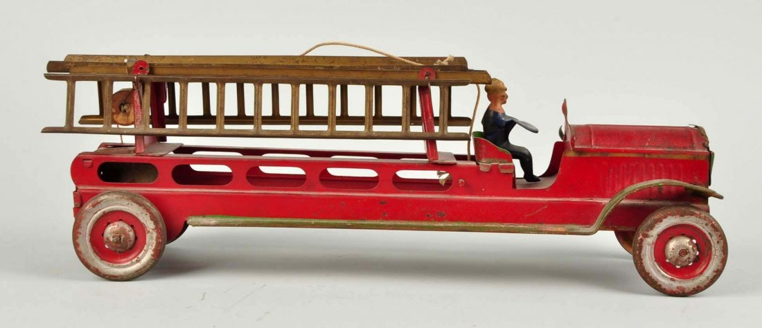 Early Tin Fire Truck With Ladder. - 3