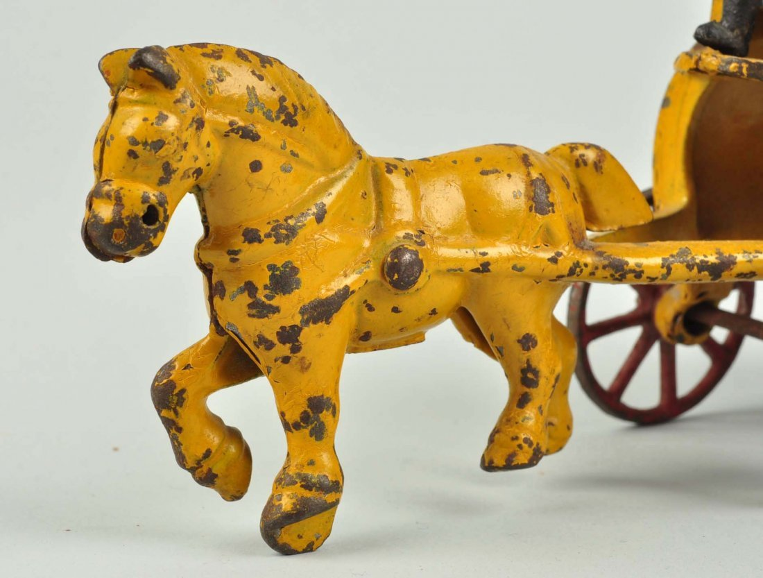 Kenton Cast Iron City Sprinkler Horse Drawn. - 4