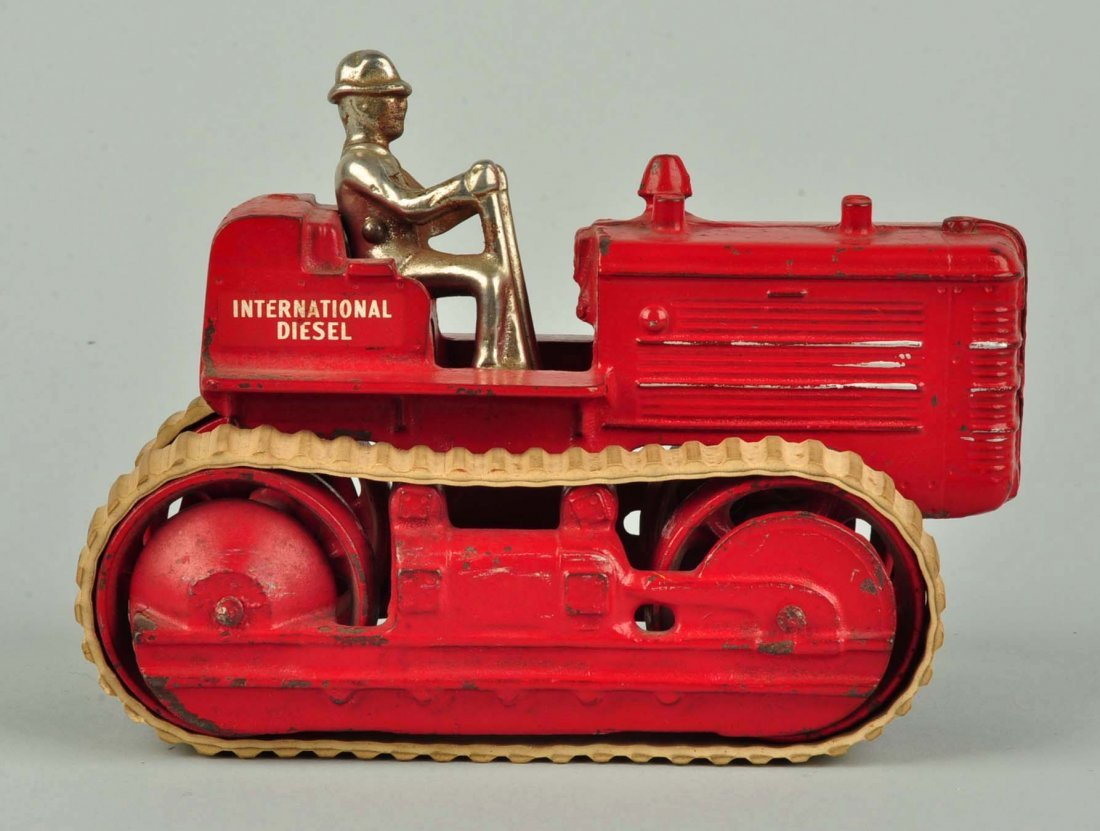 Arcade International Diesel Red Cast Iron Tractor. - 3